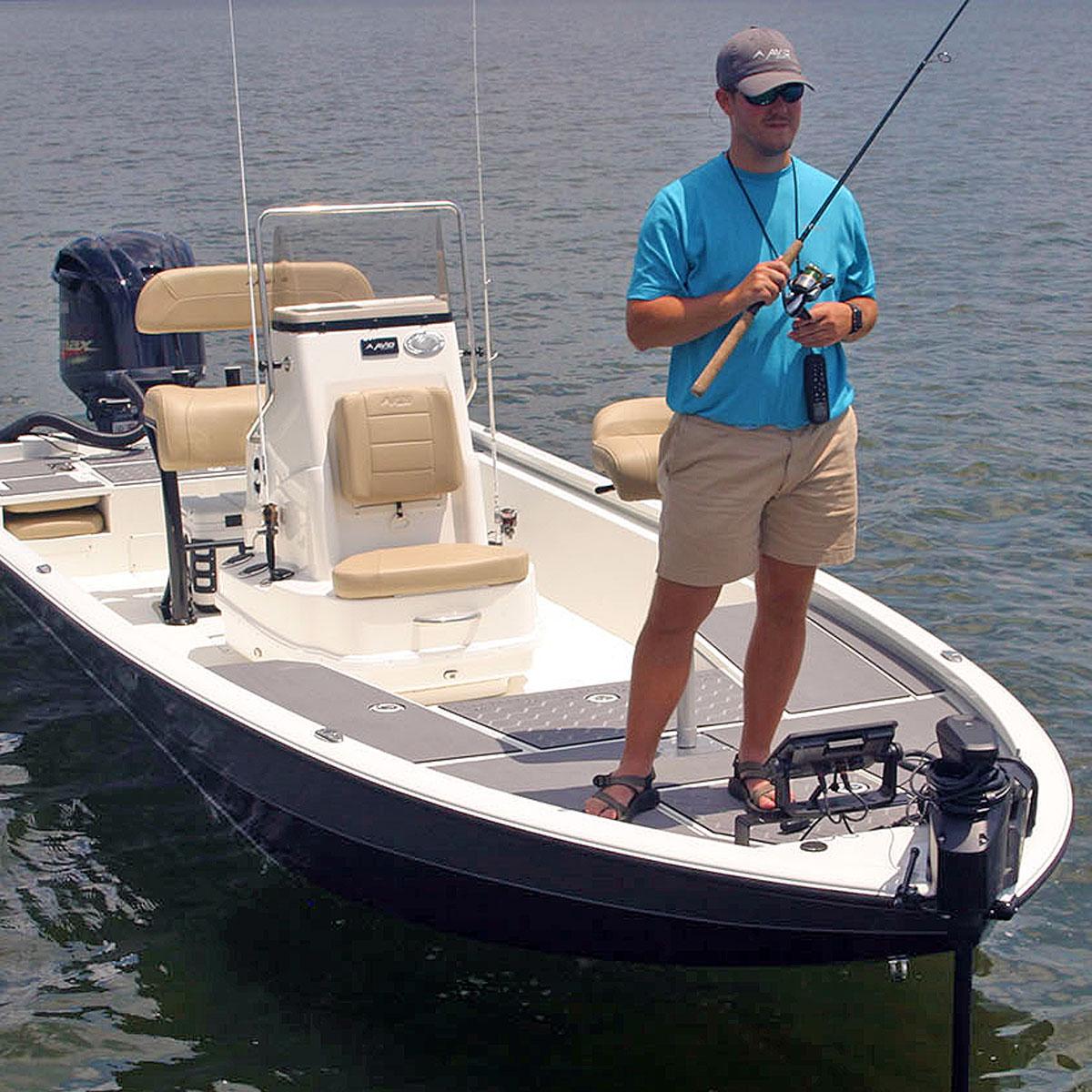 Avid 23FS bay boat